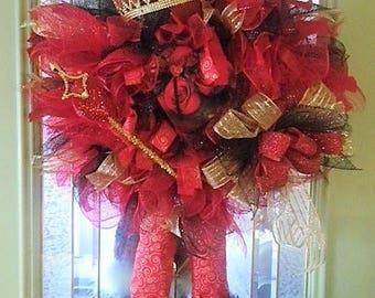 Queen of Hearts Valentines Day Wreath