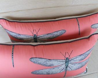 coussin couleur corail motifs libellules