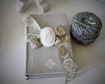 Decorative element duo books