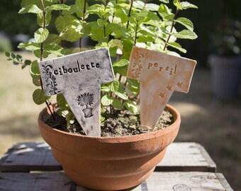 2 marks plants, labels, seasonings, ceramic garden signs