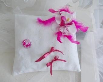 d alliance fuchsia Orchid pillow beads