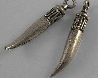 1 Pearl Horn bead 3 D silver 2.5 cm long 0 4mms wide