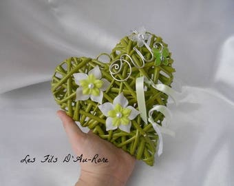 "Cushion ""MALAGA"" in white & lime green"