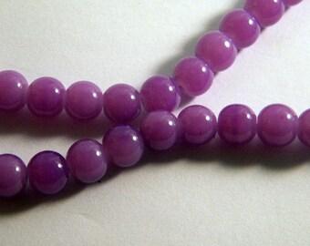 "20 glass 8 mm purple PV29 ""jade"" beads"
