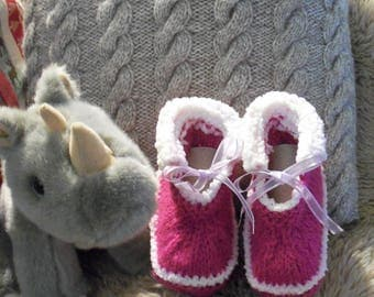 3 to 6 months hand knitted wool baby shoes