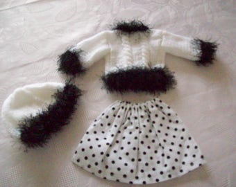 clothes for dolls 32/33 cm (skirt, sweater, hat), compatible with the girls