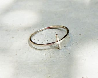Thin ring * Ella * silver crosses