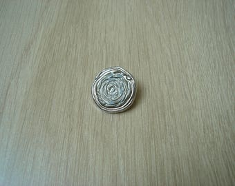 button tail pattern with decorative flower