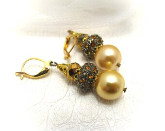 Shell beads and crystal earrings/vintage style earrings/dangle earrings/gift under 10 for her