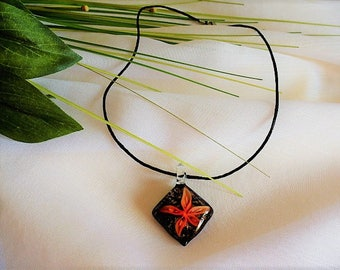 3 D diamond with flower-shaped pendant necklace orange black Murano glass on silk cord