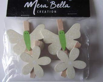 set of 4 clothespins wooden depicting 2 butterflies and flowers 2