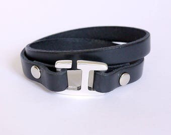 Leather bracelet for men black leather with H hook clasp