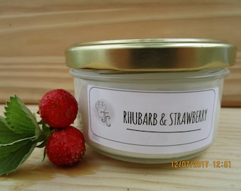Rhubarb & strawberry scented soy candle