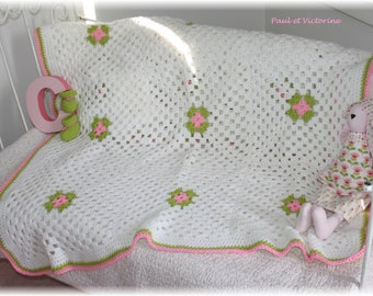 Delicate blanket for little Princess and mini slippers (deco)