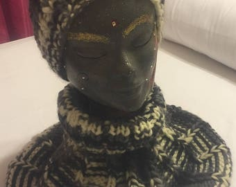 Black and white snood and hat set