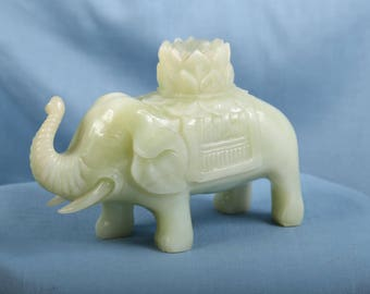 Perfect condition alter piece solid white to celery green jade elephant
