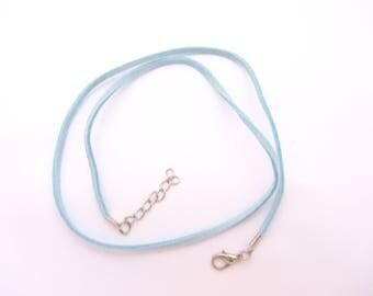 A necklace, light blue suede Choker