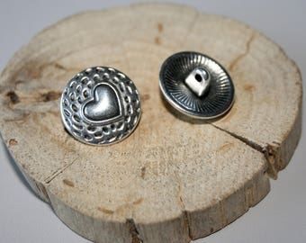 Antique silver heart 17mm metal button