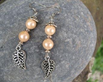 Earrings vintage leaves and pearls