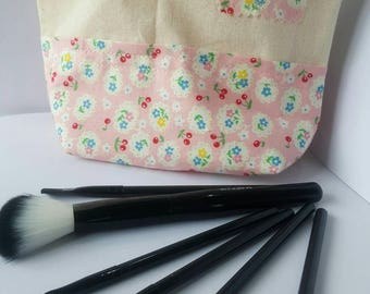 Pink floral zipped pouch