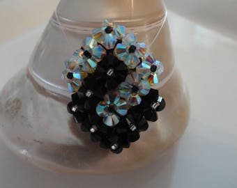 Pendant Swarovski Crystal beads intertwined squares