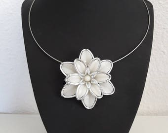Cream Silver Flower necklace