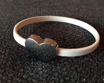 Bracelet simple strap for women