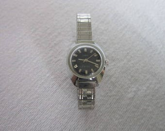 Retro Chrome Ladies Timex Electric Wristwatch