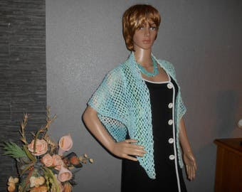 shawl crocheted, nuanced in blue with a brilliant shine