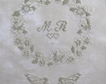 Delicate embroidery Crown wedding cross stitch
