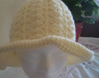 beige wool hat rises to the cozy
