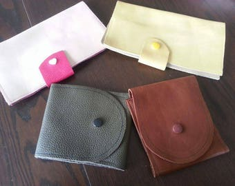 Checkbook leather in 2 versions
