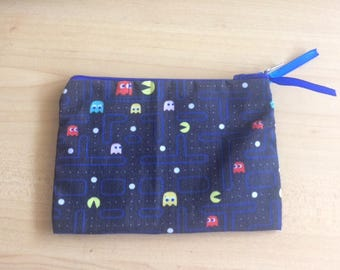 "small pouch ""pac - man"""