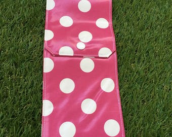 Case / pouch / case covered with pink dots