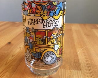 McDonald's Collectibles- The Great Muppet Caper Glass, The Muppets from 1981! Happiness Hotel featuring Fozzie, Beaker, Gonzo, and Kermit