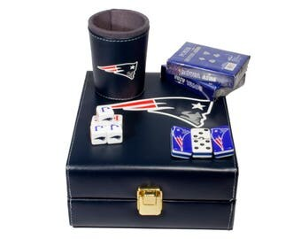 New England Patriots Deluxe Set 3 Games: Dominó, Dice Cup, 2 Poker Cards
