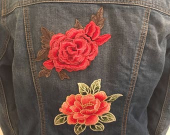 Woman's Gap denim jacket with embroidered motif