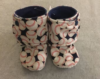 Gender Neutral Baseball Stay-On Baby Booties