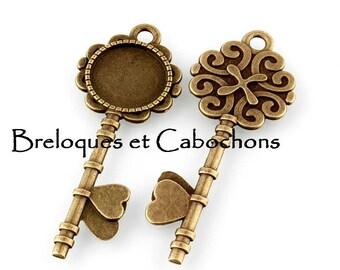 1 pendant holder Cabochon 20 mm antique bronze key