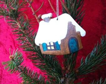 Christmas hanging decoration: cottage