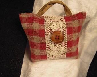 Brooch pin red plaid fabric bag