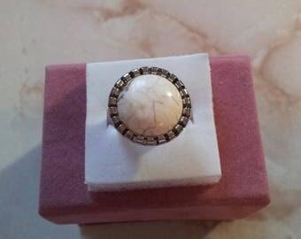 Ring adjustable imitation turquoise white