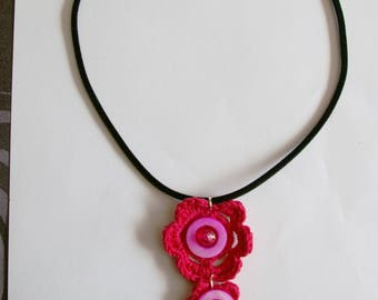 jewel collar with flowers crocheted hot pink