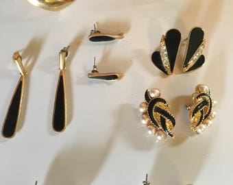 Lot of (6) 1980's earrings black and white