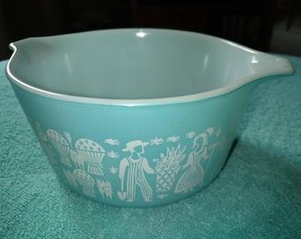 """Amish Butterprint Turquoise Pyrex 7 1/2"""" Handle Serving Bowl 473 1 Qt.  # 17  Ovenware"""