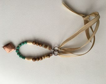 Women's Green & wood bead necklace