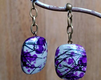 Nice pair of earrings ~ square acrylic ~