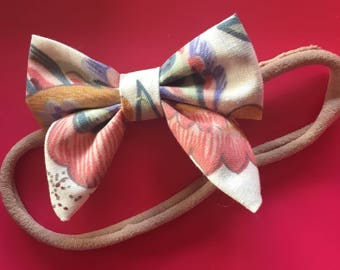 Vintage floral fabric hair bow