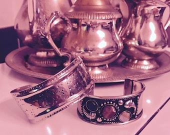 Tibetan bangle . Silver Tibetan bangle