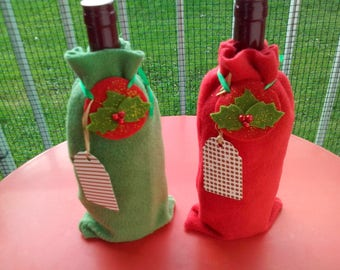 Covers bottle of Christmas Holly